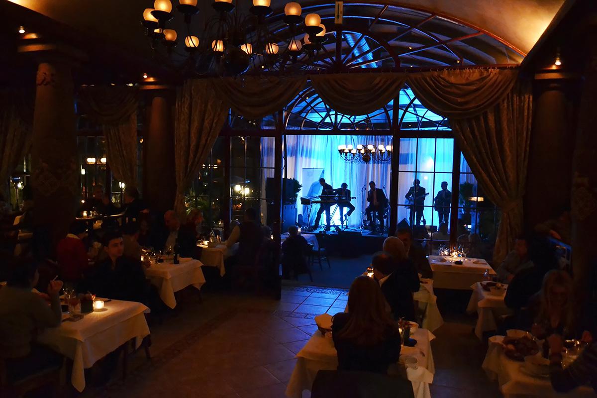 качественном рестораны москвы с музыкой ночью мужское